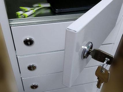 Battever-Cell-6-Tower-locker-con-seguridad-para-moviles-llave-seguridad-min